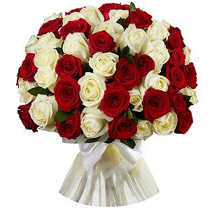 Букет из 51 красной и белой розы